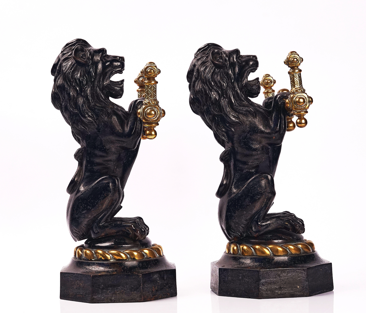 A PAIR OF VICTORIAN CAST IRON AND BRASS FIRE DOGS / TOOL RESTS - Image 2 of 3
