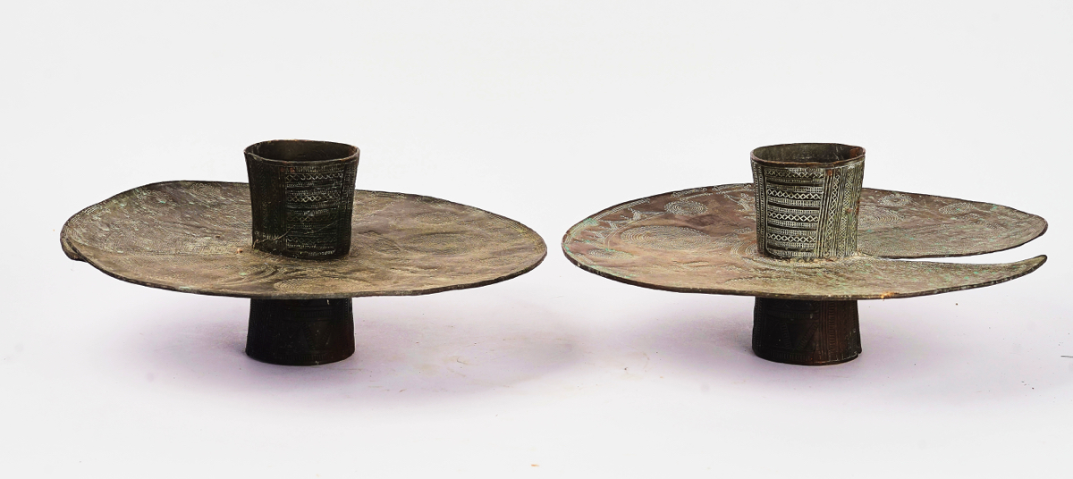 A PAIR OF NIGERIAN BRASS OGBA ANKLETS - Image 3 of 6