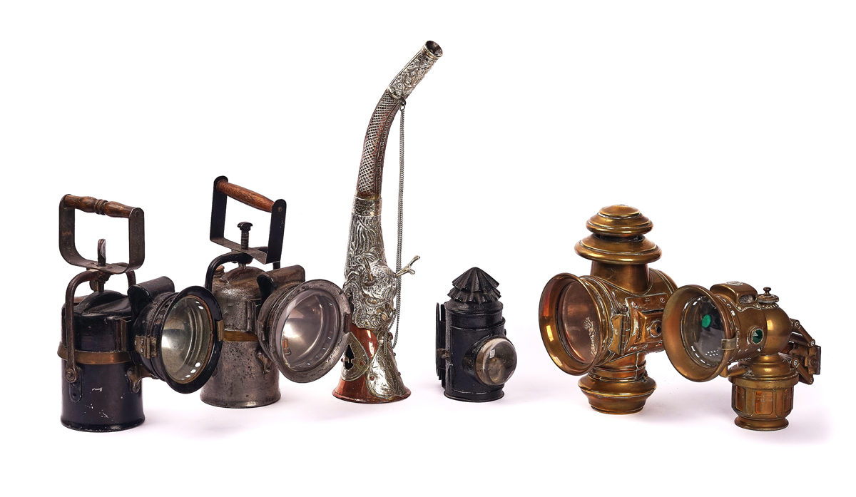 FIVE LAMPS AND A COPPER HORN (6)