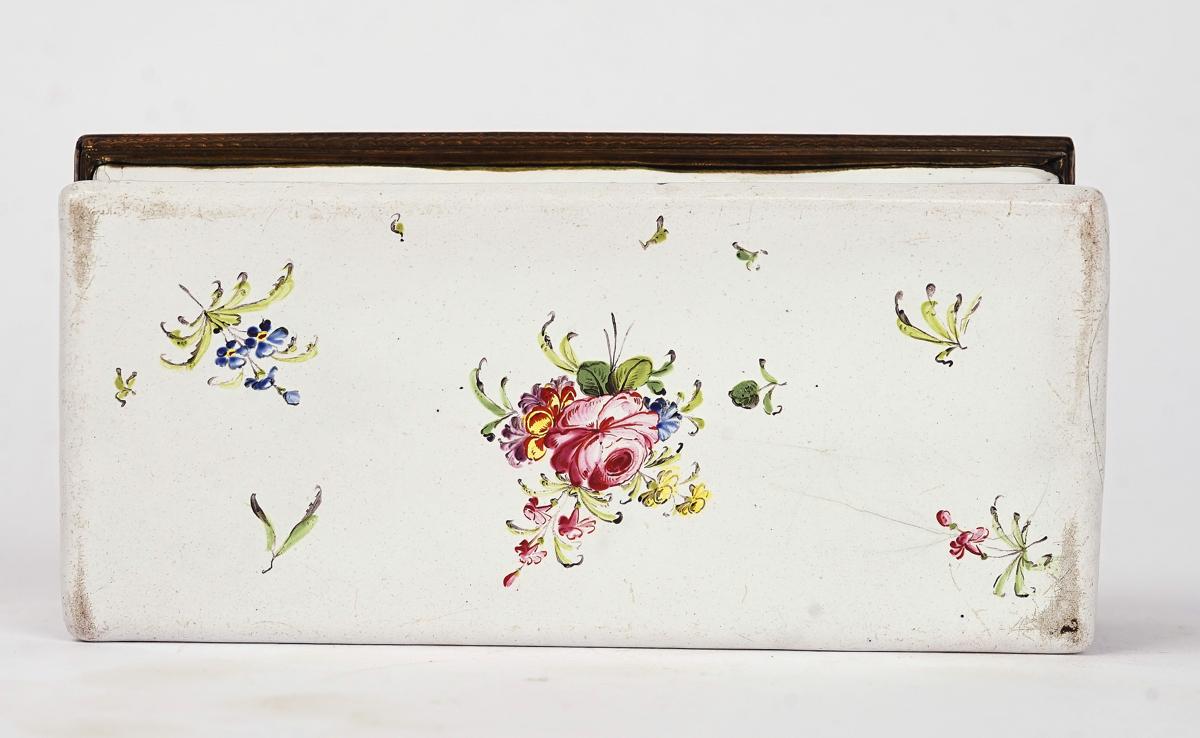 A BIRMINGHAM OR SOUTH STAFFORDSHIRE ENAMEL TOBACCO BOX - Image 3 of 4