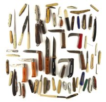 A COLLECTION OF VARIOUS POCKET KNIVES, KNIVES AND OTHER IMPLEMENTS