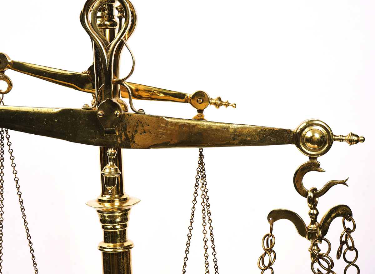 A SET OF PORTUGUESE FLOOR STANDING POLISHED BRASS BUTCHER'S WEIGHING SCALES - Image 4 of 5