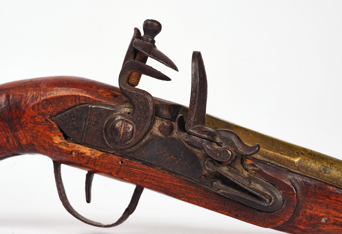 A FLINTLOCK PISTOL AND A PERCUSSION PISTOL (2) - Image 2 of 7