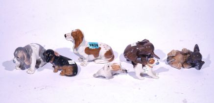 SEVEN ROYAL COPENHAGEN FIGURES OF DOGS (7)