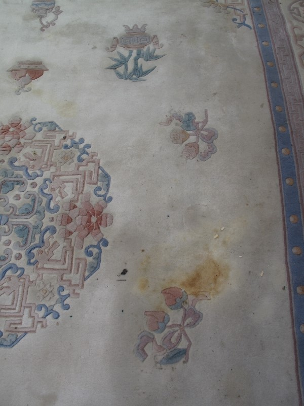 A large 20th century Chinese carpet on c - Image 4 of 6