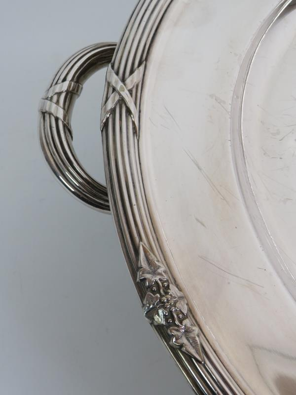 A large heavy silver plated meat platter - Image 2 of 7