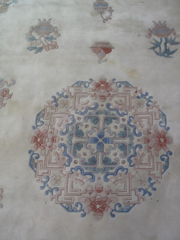 A large 20th century Chinese carpet on c - Image 5 of 6