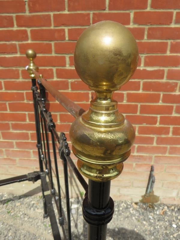 A Victorian wrought iron & brass single bed by Seventh Heaven, with polished brass ball finials. - Image 5 of 5