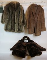 Three vintage ladies fur coats, all lined. (3). Condition report: No issues.