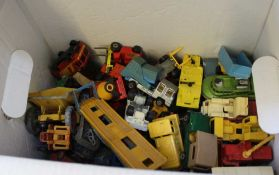 A BOX CONTAINING A LARGE SELECTION OF COLLECTOR'S DIE-CAST VEHICLES VARIOUS