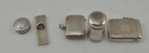 A LATE VICTORIAN SILVER VESTA CASE, chased decoration with blind cartouche, Birmingham 1899,