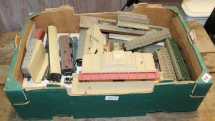 A BOX CONTAINING A SELECTION OF MODEL RAILWAY ACCESSORIES to include carriages and buildings etc.