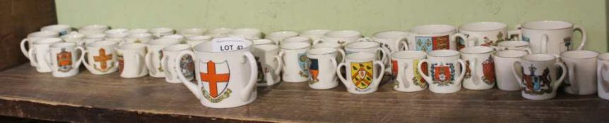 AN EXTENSIVE SELECTION OF CRESTED CHINA the majority tygs, includes some Goss