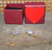 A BOX CONTAINING A PAIR OF MILLEFIORI GLASS DISC EARRINGS in gold plated 925 stamped mounts,