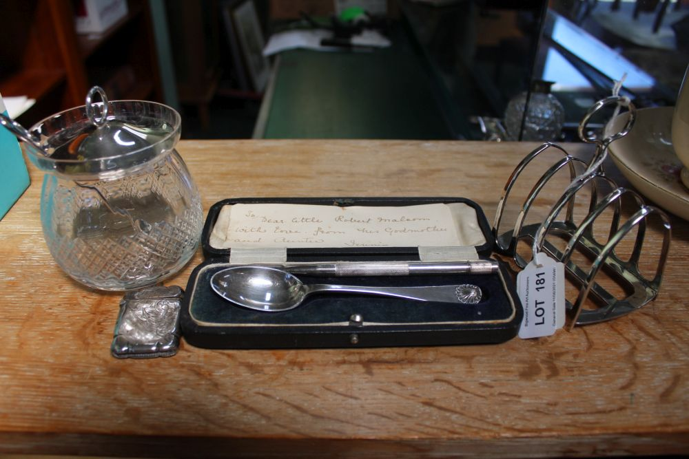 A HALLMARKED SILVER TOAST RACK and sundry other hallmarked silver items