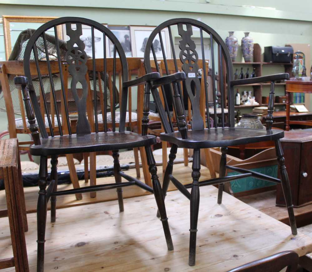 A PAIR OF MODERN WHEEL BACKED COUNTRY KITCHEN STYLE ARMCHAIRS