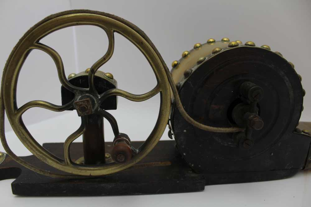 AN IRISH MECHANICAL PEAT BELLOWS, brass and polished wood, c.1900, 59cm long - Image 3 of 4