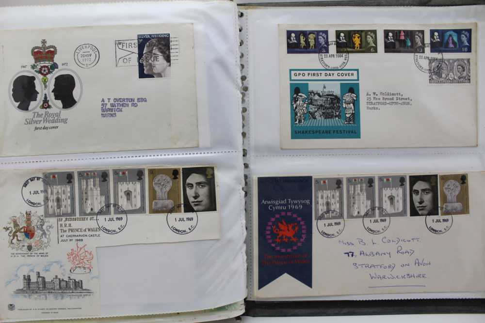 LARGE WHITE ALBUM with good number of World stamps, including GB & Commonwealth - Image 5 of 5