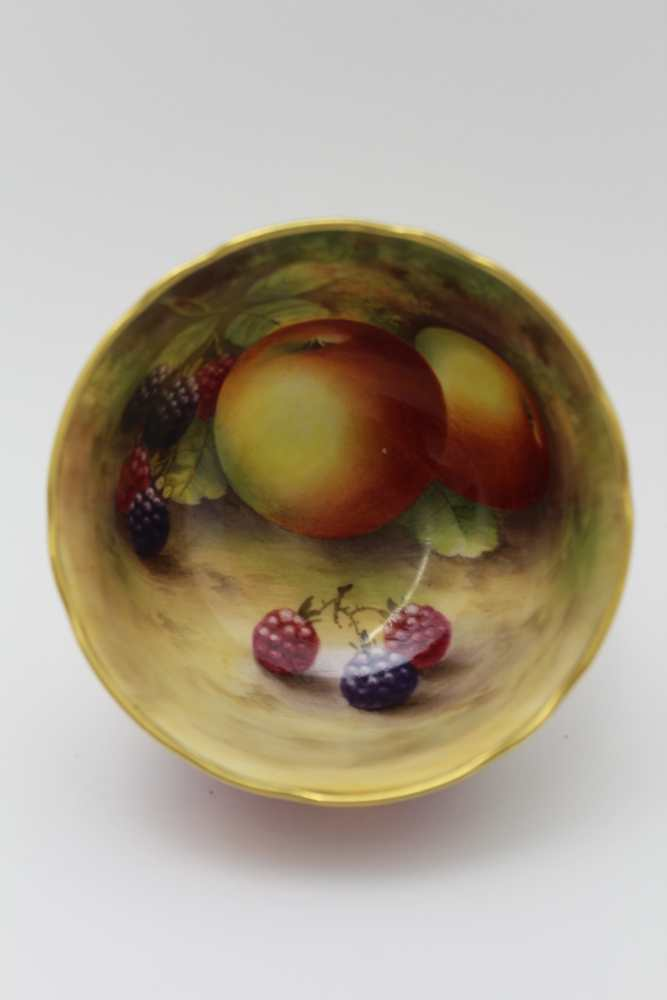 A ROYAL WORCESTER HAND PAINTED PORCELAIN BOWL, painted in the round with fruit, also internally - Image 2 of 4