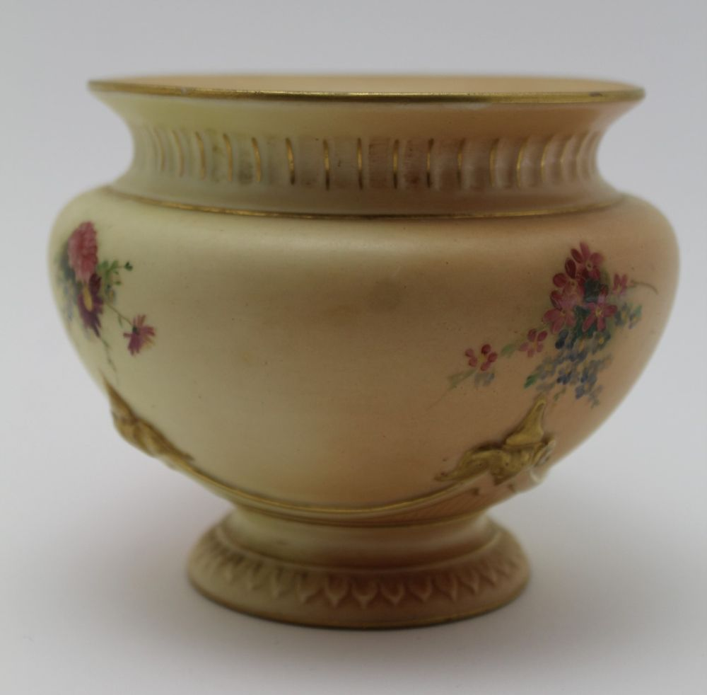 A ROYAL WORCESTER PORCELAIN BOWL. Blush ivory ground, moulded, floral painted and gilded - Image 3 of 8