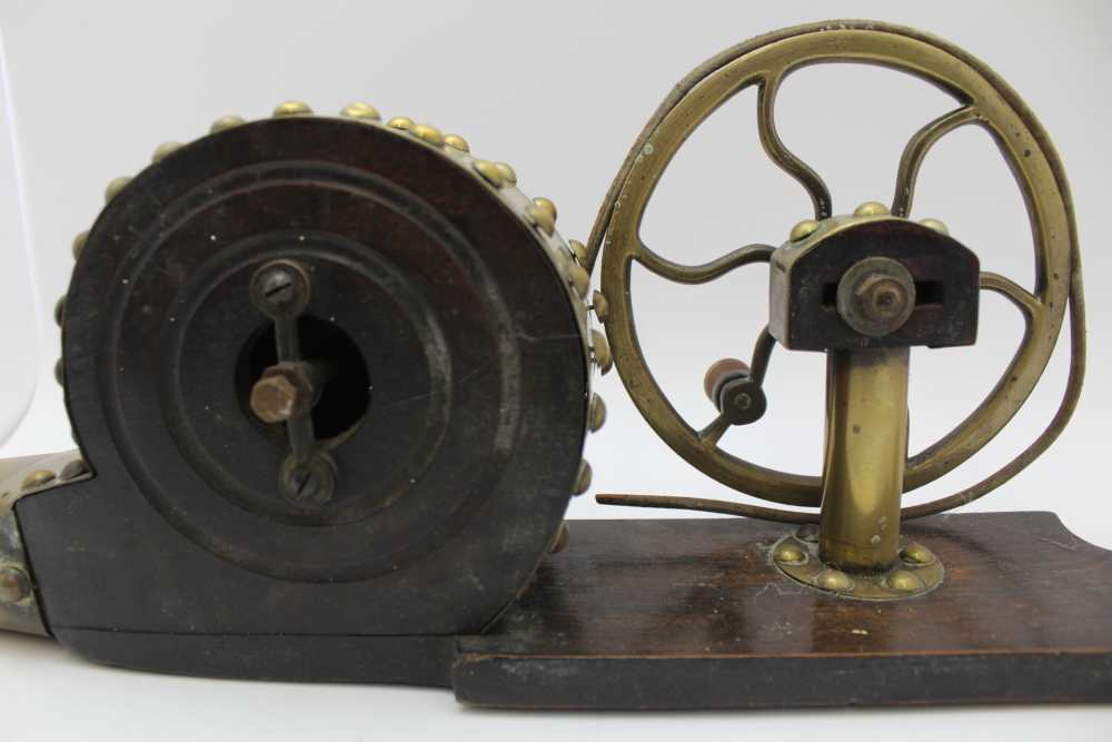 AN IRISH MECHANICAL PEAT BELLOWS, brass and polished wood, c.1900, 59cm long - Image 4 of 4