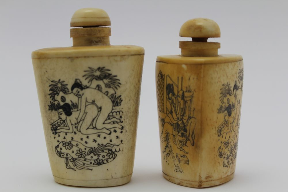AN INDIAN KASHMIR BOX & COVER, the lid decorated with a polo match, 15cm x 10cm, together with two - Image 3 of 7