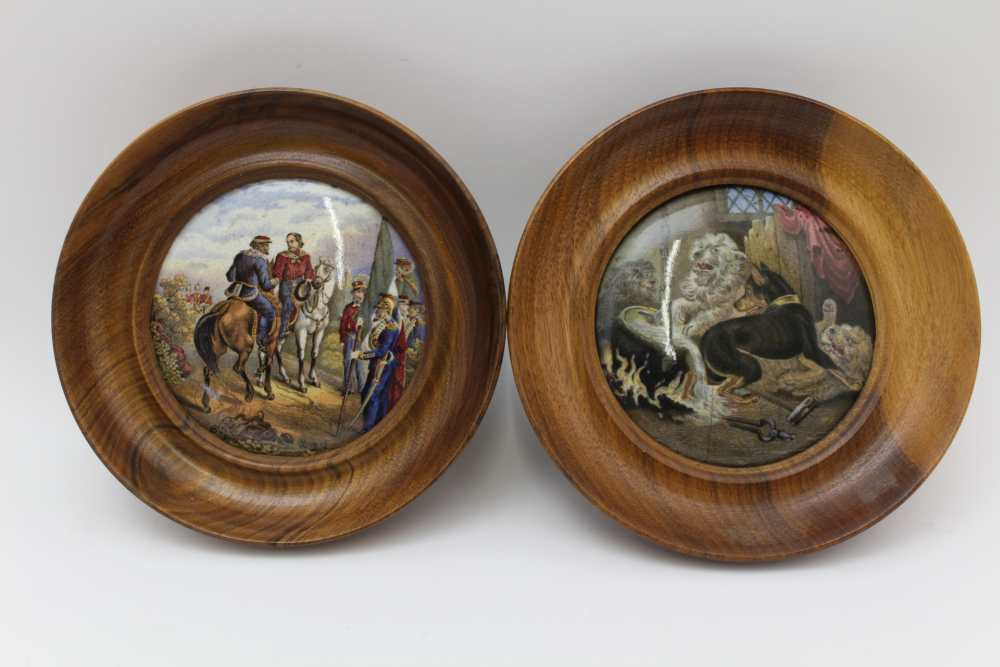 A COLLECTION OF FIVE VICTORIAN PRATT POT LIDS, to include 'Pegwell Bay' and 'Garabaldi', each in - Image 3 of 4