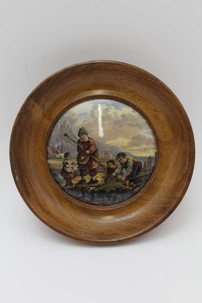 A COLLECTION OF FIVE VICTORIAN PRATT POT LIDS, to include 'Pegwell Bay' and 'Garabaldi', each in - Image 4 of 4