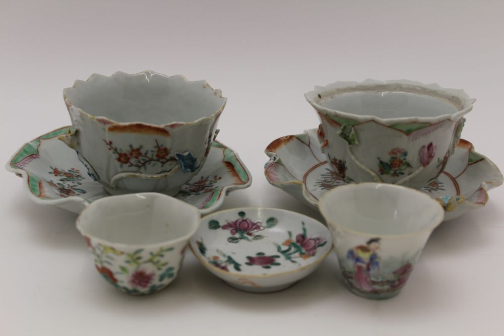 A COLLECTION OF ORIENTAL PORCELAIN WARES, to include lotus saucers with bowls, polychrome floral