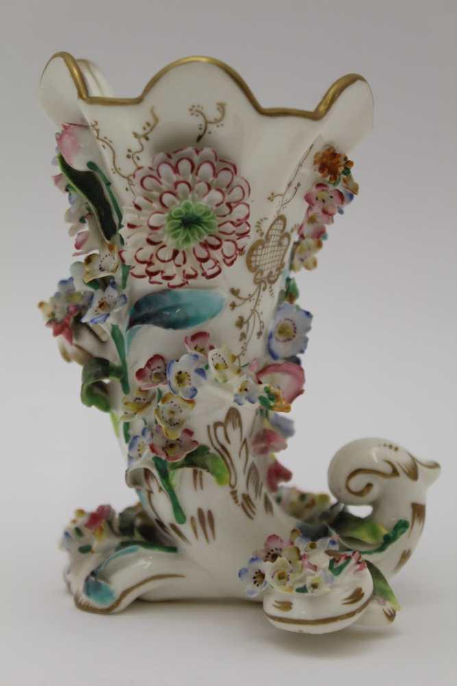 A 19TH CENTURY PORCELAIN CORNUCOPIA VASE, floral encrusted, painted and gilded, possibly Derby, hand - Image 2 of 3