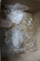 A BOX CONTAINING A SELECTION OF GLASSWARE