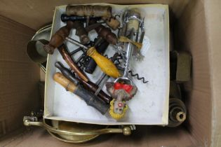 A BOX OF USEFUL DOMESTIC & COLLECTABLE ITEMS to include corkscrews various