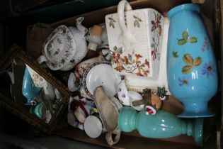 A BOX CONTAINING A SELECTION OF PREDOMINANTLY 19TH CENTURY POTTERY & GLASSWARE