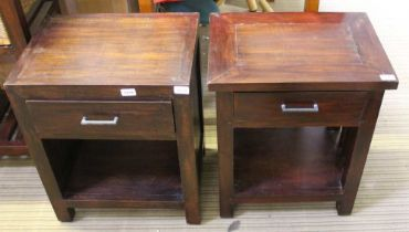 TWO MAHOGANY FINISHED IMPORTED HARDWOOD BEDSIDE UNITS / LAMP TABLES each with single drawers