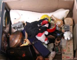 A BOX CONTAINING A WIDE SELECTION OF USEFUL DOMESTIC & COLLECTABLE ITEMS VARIOUS