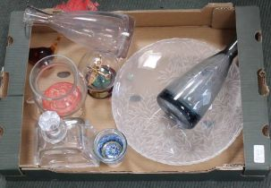 A BOX CONTAINING A SELECTION OF COLLECTABLE GLASSWARE, carafes, decanter, Wedgwood glass bird, vase,