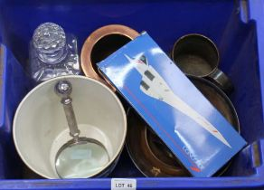 A CRATE CONTAINING A SELECTION OF DOMESTIC ITEMS VARIOUS to include; hand-held magnifier, model