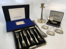 A collection of various silver including ingot commemorating Elizabeth II silver wedding