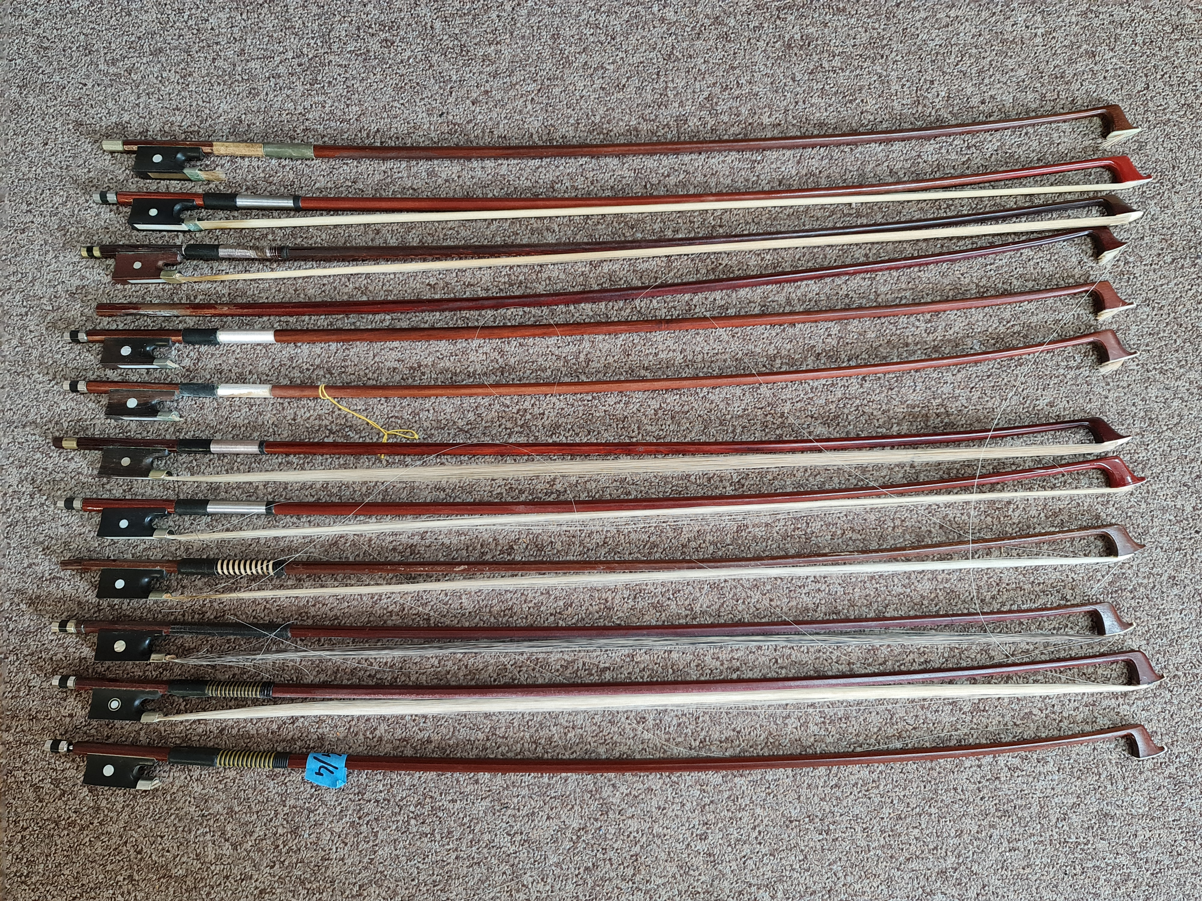 A collection of approx. 38 violin bows. IMPORTANT: Online viewing and bidding only. Collection by