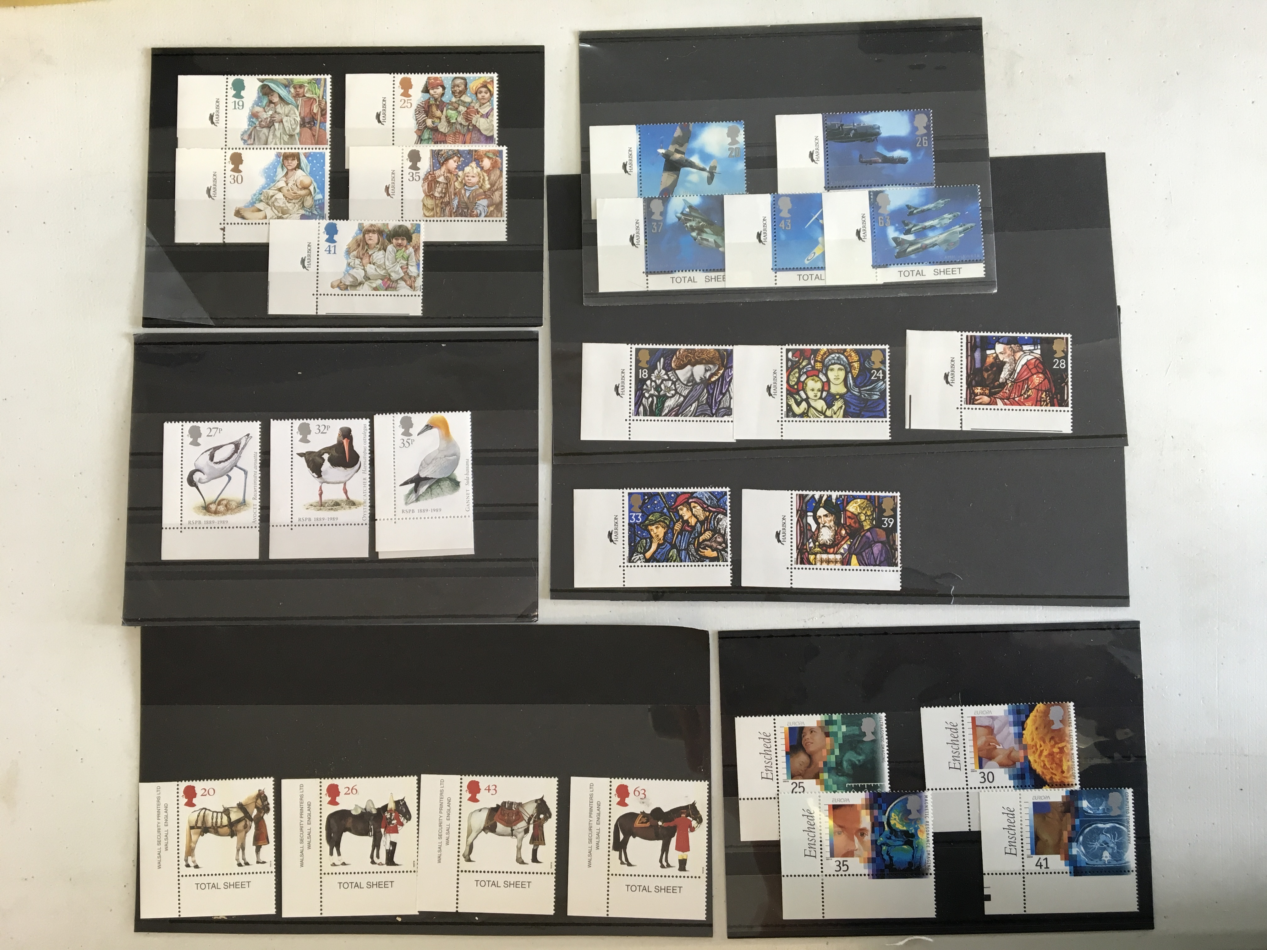 An all different accumulation of modern GB stamps including £5 booklets and presentation packs, face
