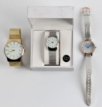 *A hallmarked 9ct yellow gold gents signet ring, a gents wristwatch and a ladies wrist watch, an