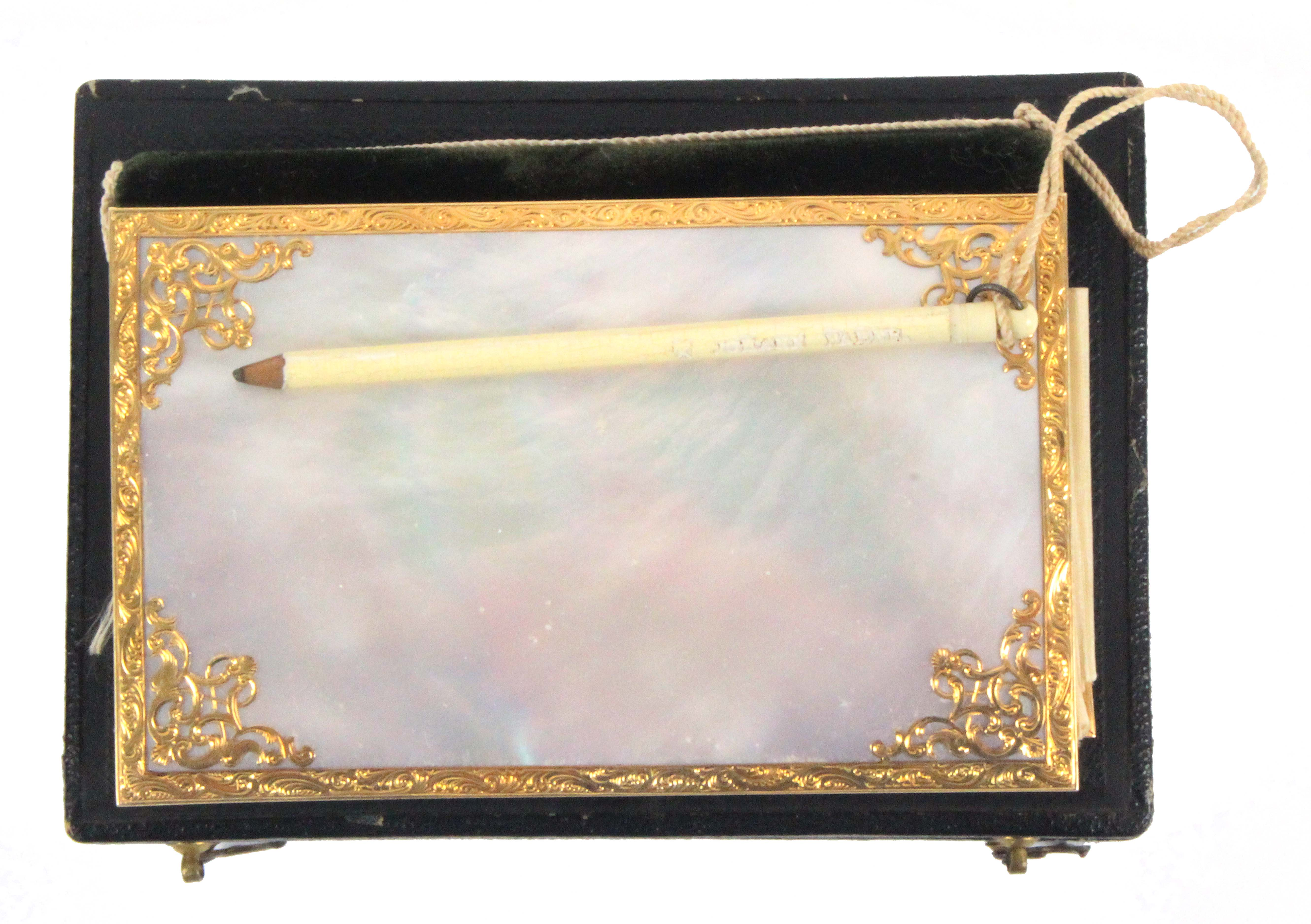 A fine gold mounted mother of pearl notelet/visiting case, complete with outer box, the book form - Image 2 of 3