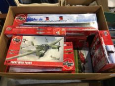A quantity of Airfix model kits, including 1:600 scale RMS Queen Elisabeth, 1:12 scale London