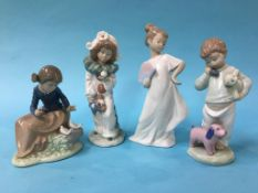 Four Nao figures