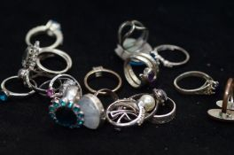 A good quality collection of dress rings, mainly s