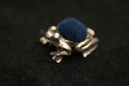Silver frog pin cushion 25mm