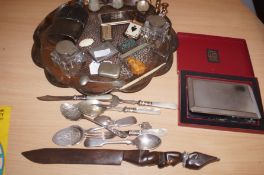 A selection of Collectables to include a Arts and