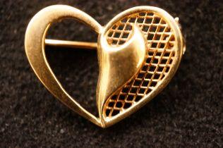 9ct Gold Heart Shaped Pin Brooch - 4.3g