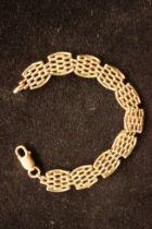 9ct Gold Gate Bracelet - 16g