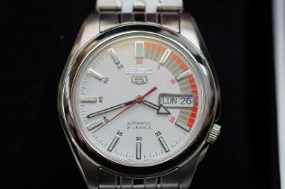 Seiko Five Automatic Wristwatch with German Day Da